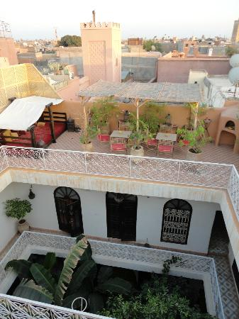 Riad Dar Tayib: View down from the top level