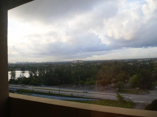 DoubleTree by Hilton & Miami Airport Convention Center: View from the window