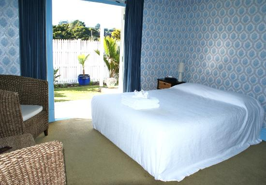  : Villa Room Blue