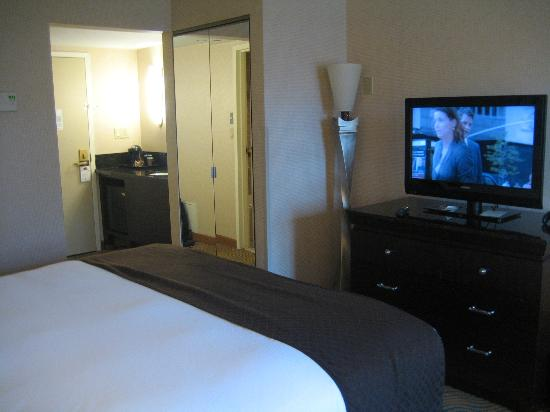 DoubleTree by Hilton Hotel Burlington: room