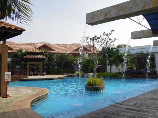 Water villa grand lexis port dickson picture of port for Garden pool grand lexis