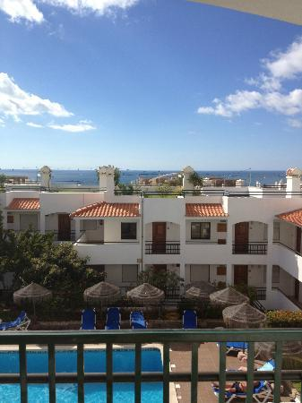 Cerro Mar Atlantico Touristic Apartments: View from balcony of 406-rooftop terrace across the way