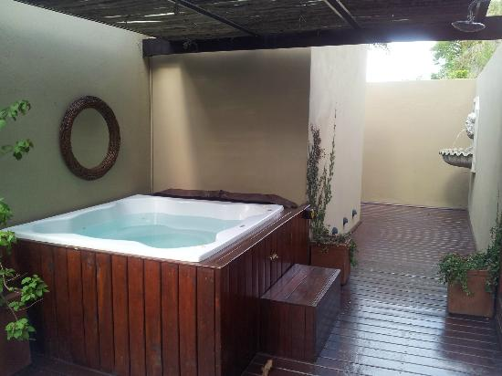 The Residence Boutique Hotel: outdoor jaccuzy