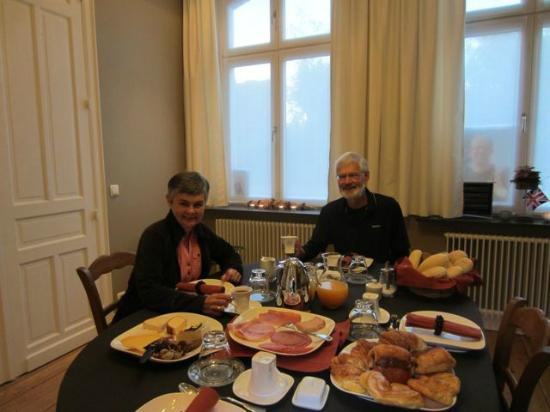 B&B @Room's: Nancy's sumptuous breakfast