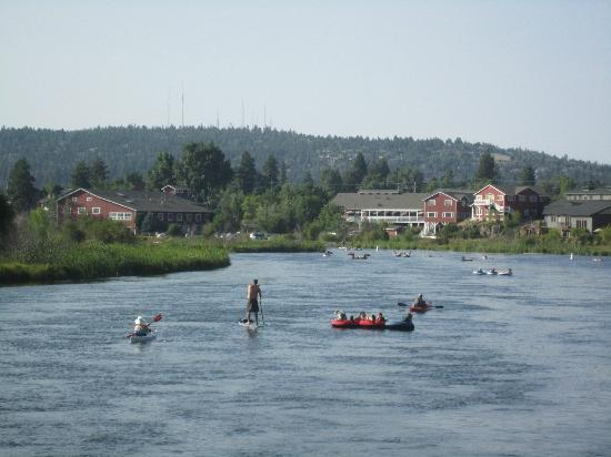 Mount Bachelor Village Resort: Floating down the river in Bend