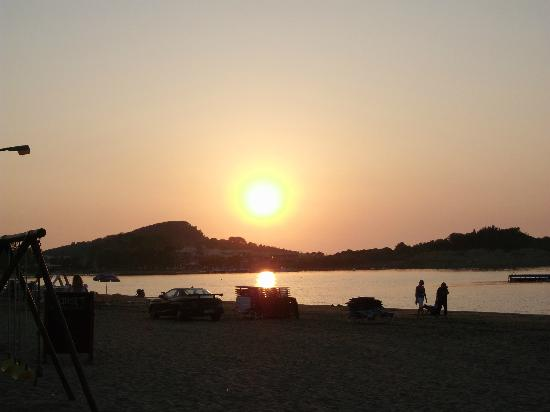 Anemona Studios &amp; Apartments: Sunset on the beach x