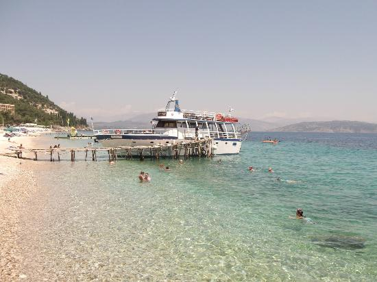 Anemona Studios &amp; Apartments: Kassiopi boat trip, stunning!