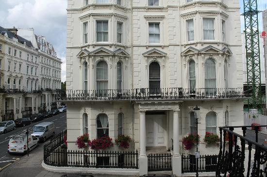 Kensington House Hotel: outside hotel