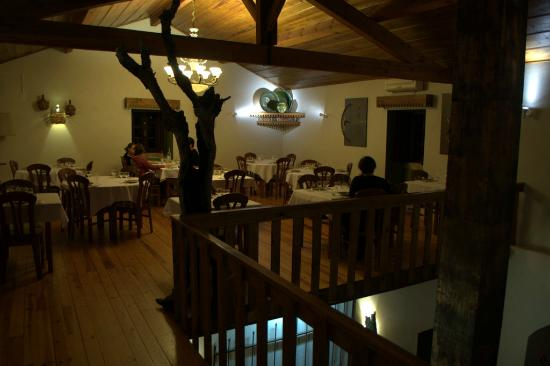Varzea, Portugal: Upstairs dining room (there are two others)