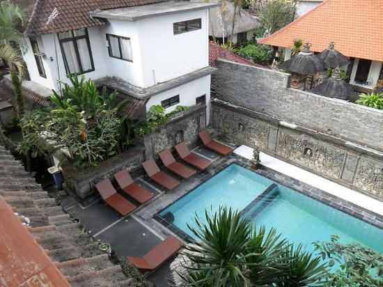Warsa Garden Bungalows: View from our room on 3rd floor