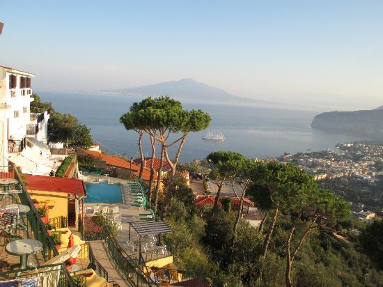Hotel Villa Fiorita: view from hotel