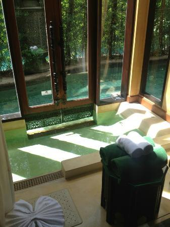 The Baray Villa: Spa in the lounge room - door open to you r private pool and then out to the main pool