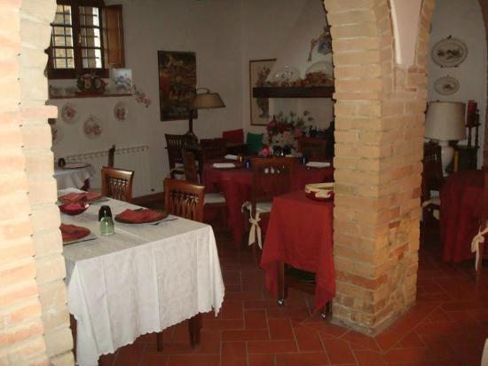 Antico Borgo San Lorenzo: Im Restaurant