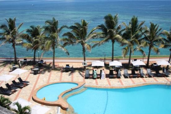 Sea Cliff Hotel: Our view!
