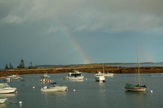 Newagen Seaside Inn: Rainbow over the cove