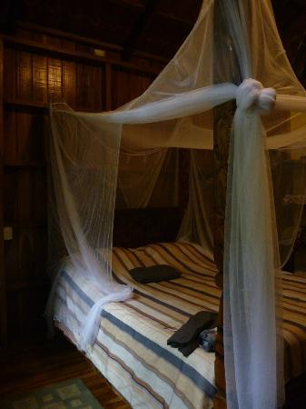‪‪Tierra de Suenos Lodge‬: Bed with netting