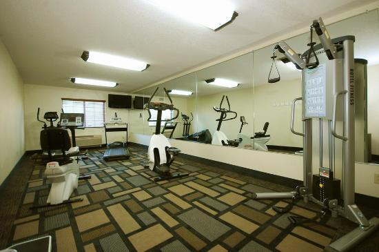 BEST WESTERN Berkshire Hills Inn & Suites: Fitness room