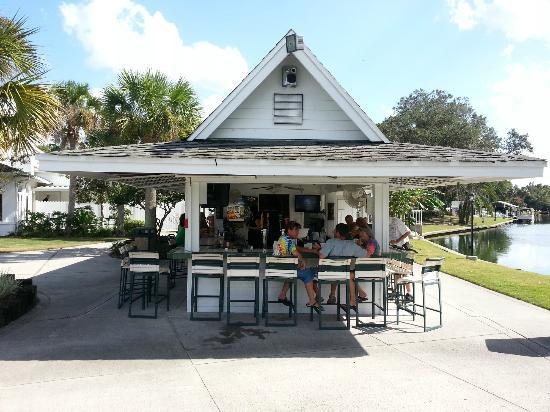 Plantation on Crystal River: Tiki Bar