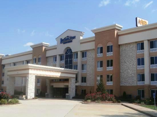 ‪Lexington Inn & Suites - Effingham‬