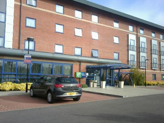 Holiday Inn Express Banbury M40 Jct.11: Main entrance