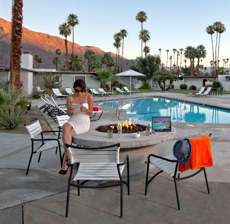 The Horizon Hotel: Lounging around the pool and fire pit