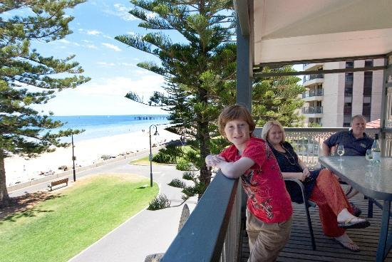 Seawall Apartments: Check out the great sea views from The Beachside Balcony