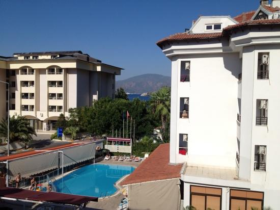 Melita Apart Hotel: view from the front facing balcony