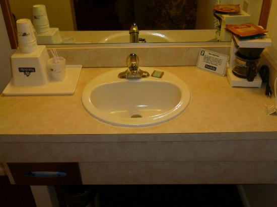 Travelodge Cedar City: Lavabo
