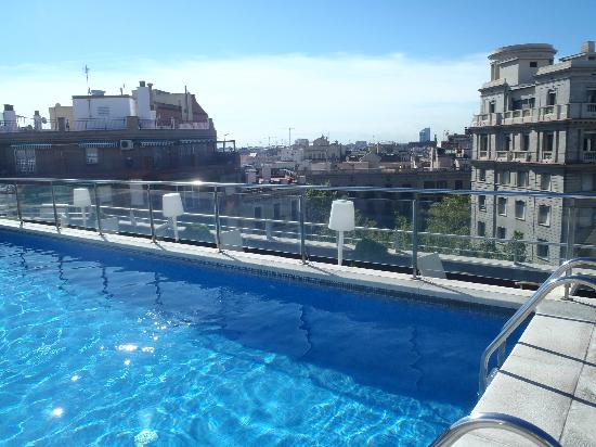 Roof top pool picture of nh barcelona podium barcelona tripadvisor - Hotel podium barcelona ...