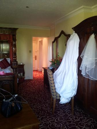 The Rising Sun Hotel: Plenty of room for my dress