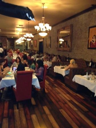 Bakersfield ristoranti famosi tripadvisor for J t basque bar dining room