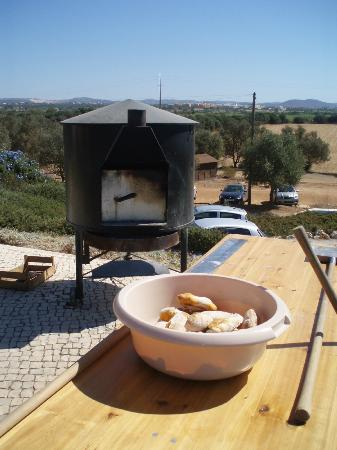 Falesia Hotel: Bread making at Honey farm