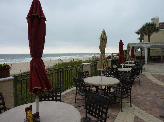 The Lodge and Club at Ponte Vedra Beach: Ground level-beach