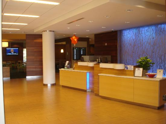 Fairfield Inn & Suites Baltimore BWI Airport : reception