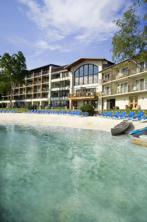 Golden Arrow Lakeside Resort : Private-Sand-Beach