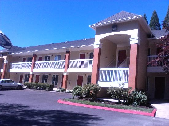 Extended Stay America - Portland - Tigard: after renovations.