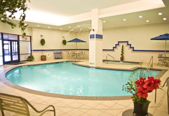 Courtyard Tacoma Downtown: Indoor Pool & Whirlpool