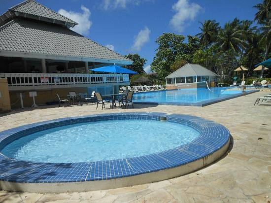 Divi Southwinds Beach Resort: pool