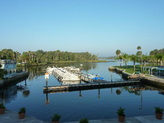 The Port Hotel and Marina: View of Crystal River from our bed