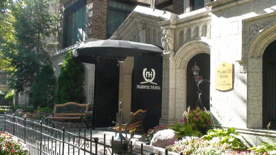 301 moved permanently for Majestic hotel chicago