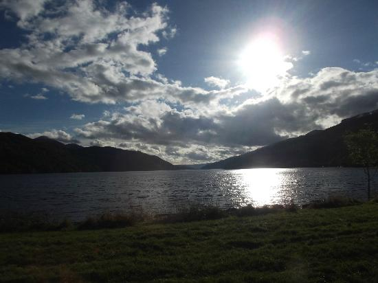 Ardgartan Hotel: Loch Long from hotel