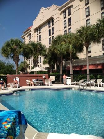 Hampton Inn Orlando - Convention Center: the pool area on a &quot;busy&quot; day