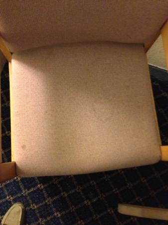 Days Inn Benson: dirty stained chair (213)