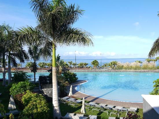 Gran Melia Palacio de Isora Resort &amp; Spa: Looking onto Infinity Pool