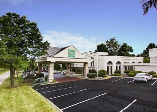 Quality Inn Wickliffe: Exterior