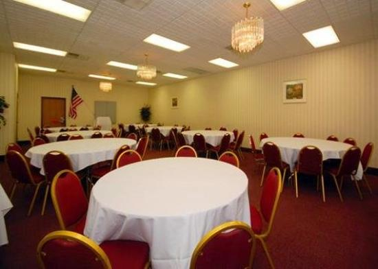 Quality Inn Wickliffe: Meeting Room