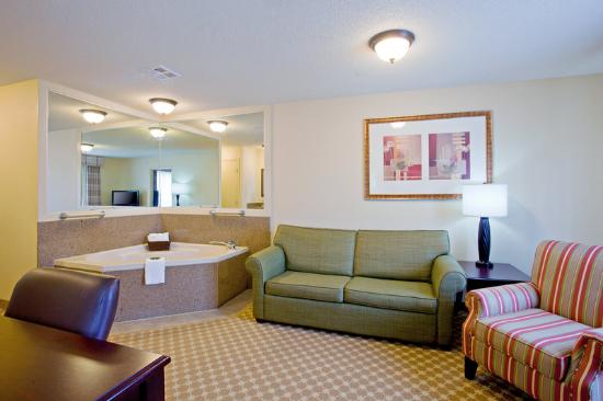 Country Inn & Suites Asheville at Biltmore Square: CountryInn&Suites Asheville  Suite