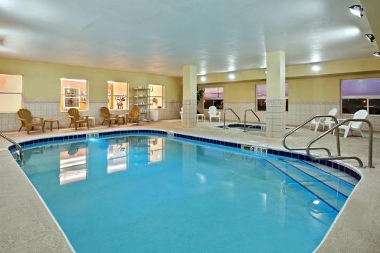 Country Inn & Suites Moline Airport: CountryInn&Suites MolineArpt Pool