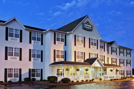 Country Inn & Suites Moline Airport: CountryInn&Suites MolineArpt ExteriorNight