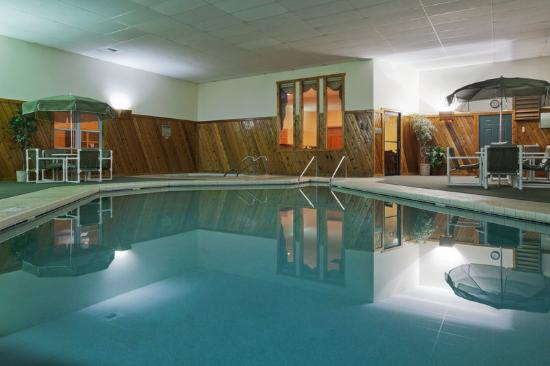 Country Inn By Carlson, Sparta: CountryInn&Suites Sparta Pool